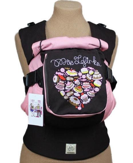 Ergonomiskā soma TeddySling Miss sweetie (ar kabatu) - bērna pārnēsāšanas soma, slings, ergosoma, ergonomiskā ķengursoma