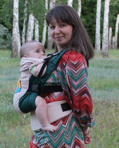 Ergonomic baby carrier, front position